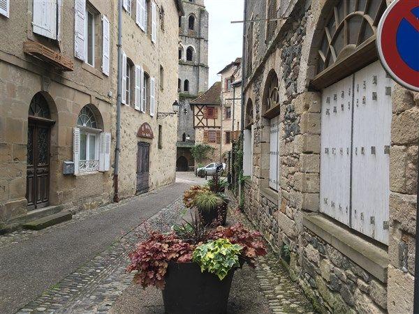 Beaulieu Sur Dordogne : vente vente  - grande image 1